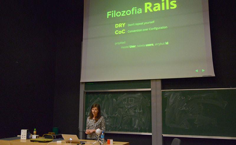 Kamila Jędrysiak speaking about Ruby on Rails
